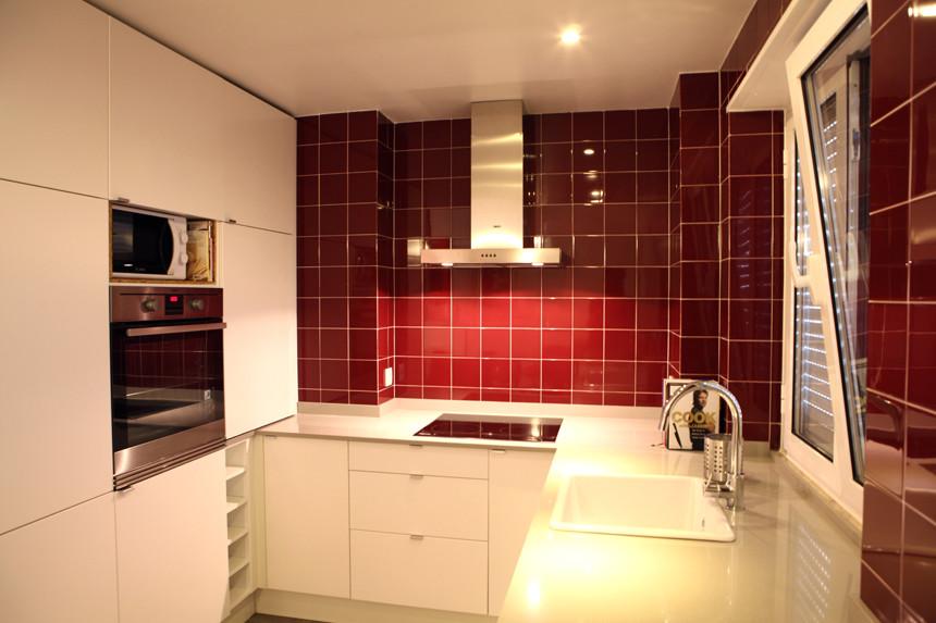 Quarto moderno em apartamento totalmente renovado