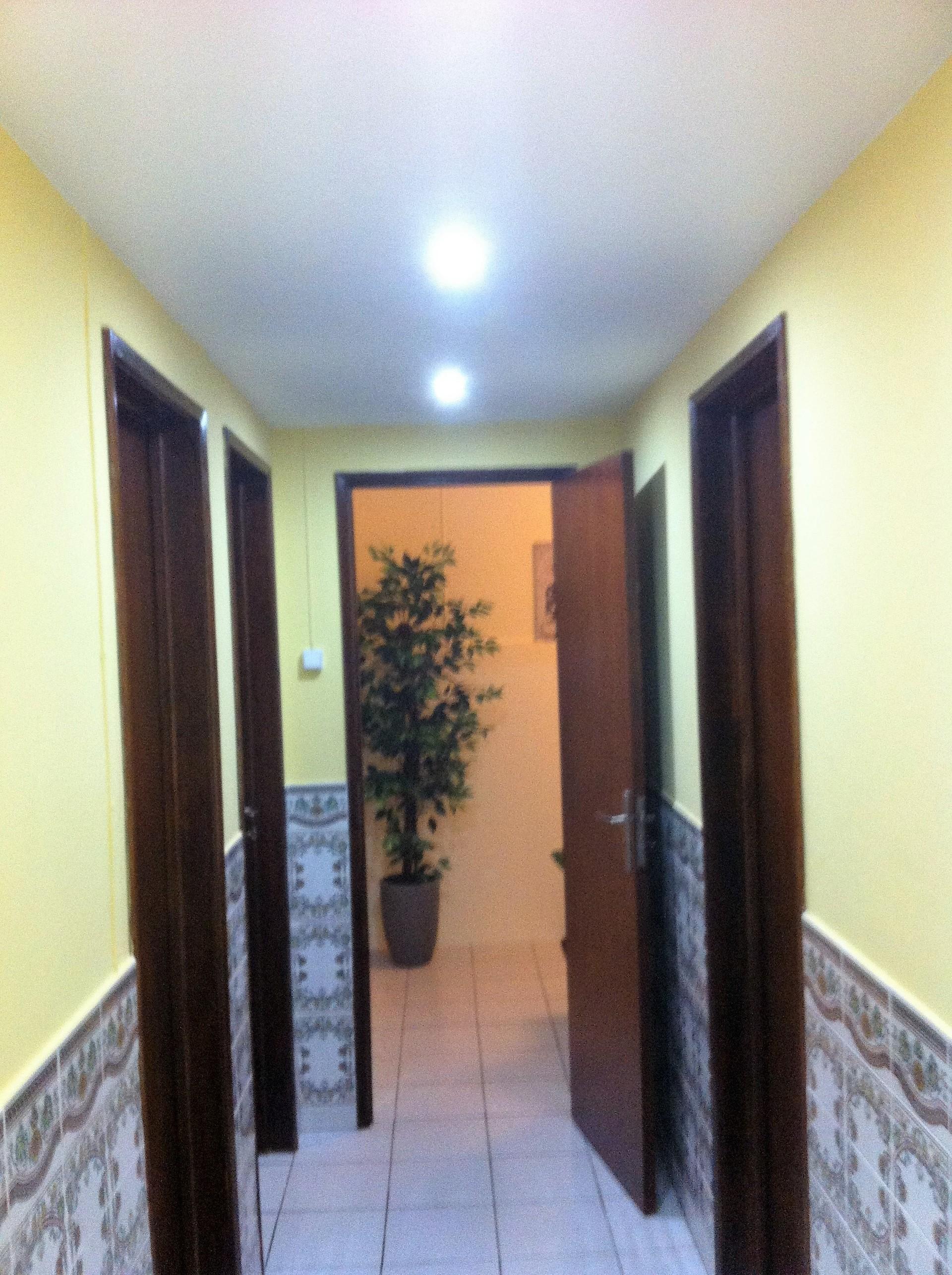 Quarto com WC privativa em Montijo