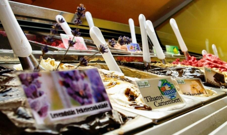 queen-ice-cream-d5e47ed214ea6a9a9ca191ea