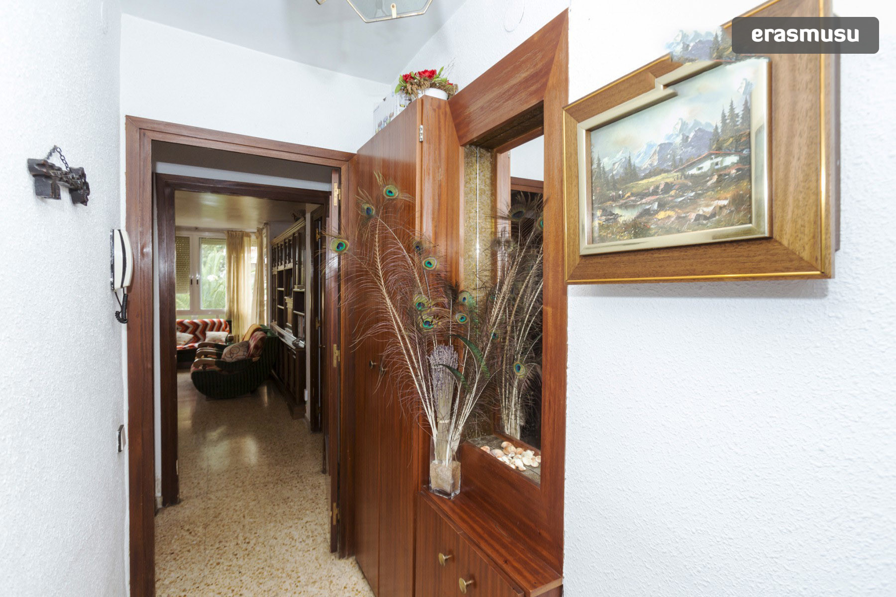 Quiet Room In A 4 Bedroom Flat Near Parc Central De Nou Barris  # Muebles Nou Barris