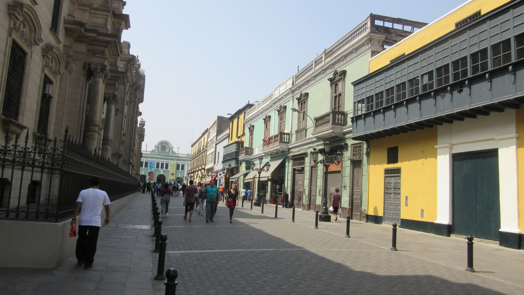 realiza-tour-pisco-sour-centro-lima-643a