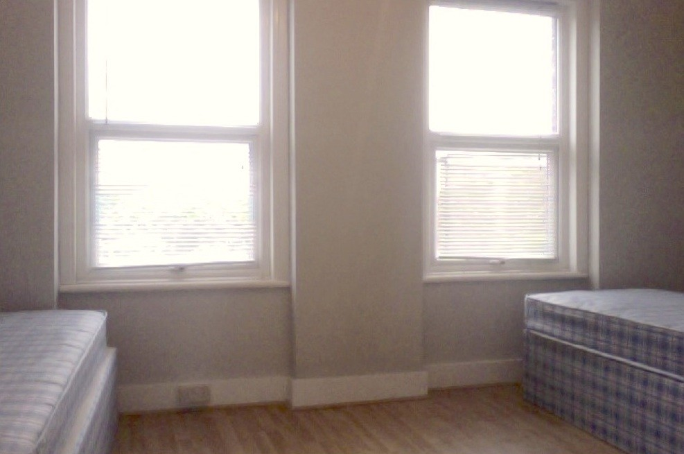 110 move in cost NO DEPOSIT short term male room | Room for