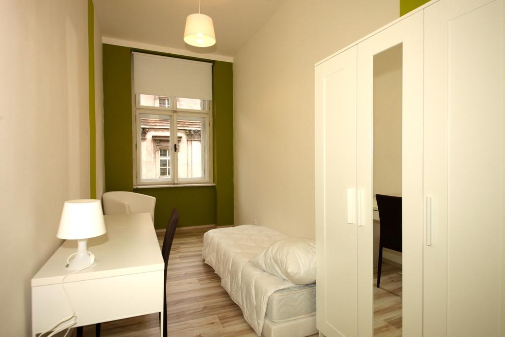 Rent a design single room in amazing flatshare apartment ...