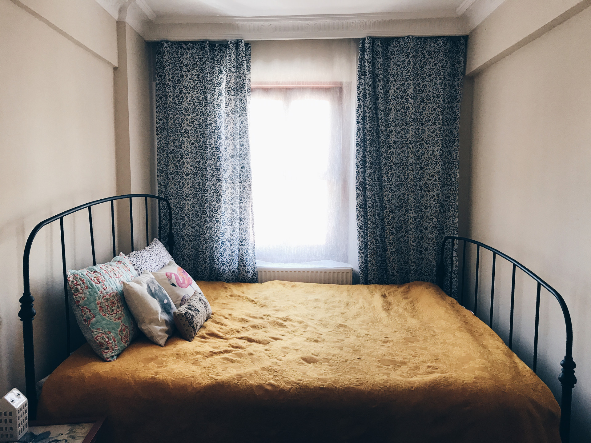 rental-room-at-uskudar-2-min-to-ferry-and-subway-611d72bd08adf2ce43e335ba72f773d5