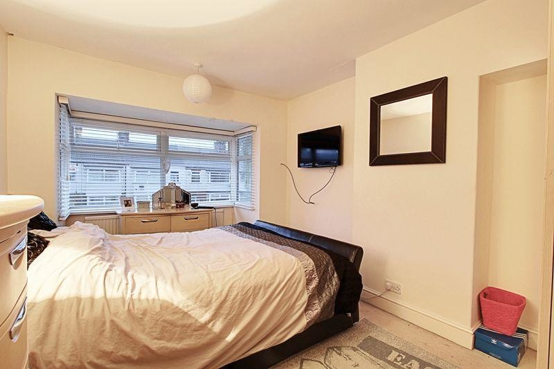 Renting fully furnished Double bedrooms in a 3 bedroom House. Renting fully furnished Double bedrooms in a 3 bedroom House