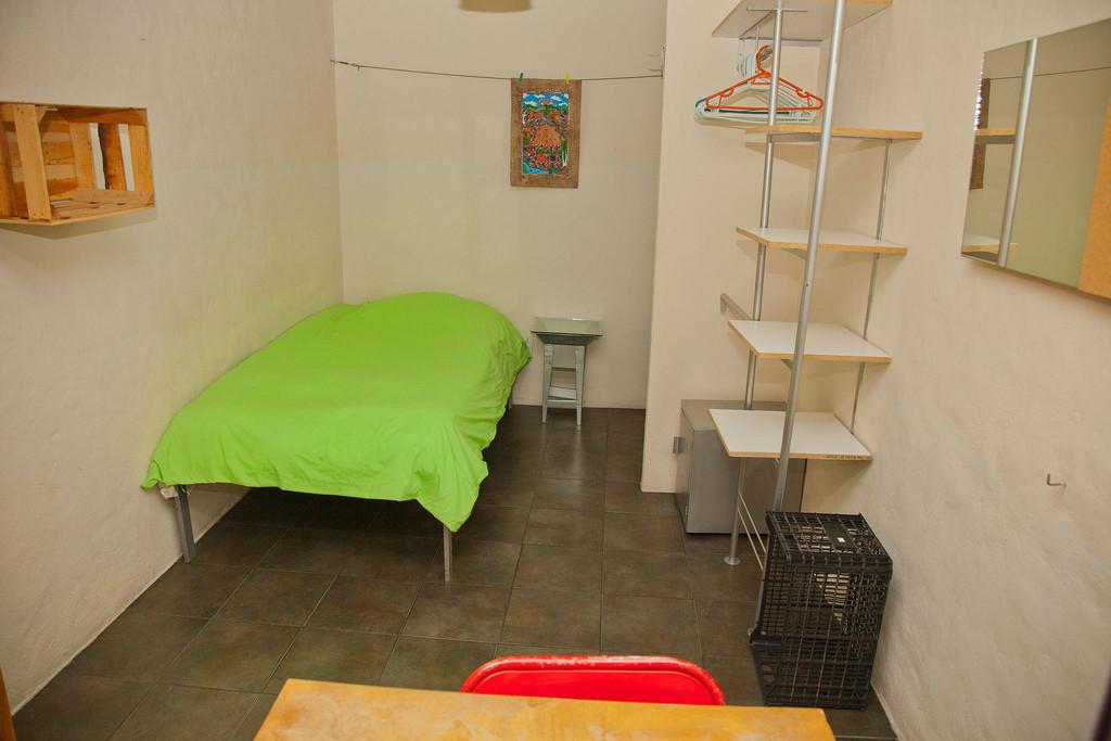 Residencia de alojamiento para estudiantes universitarios for Habitaciones para universitarios