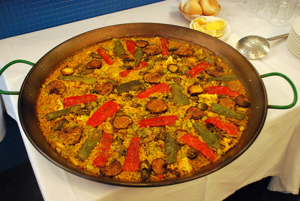 Restaurant with different types of paella and typical food from Murcia