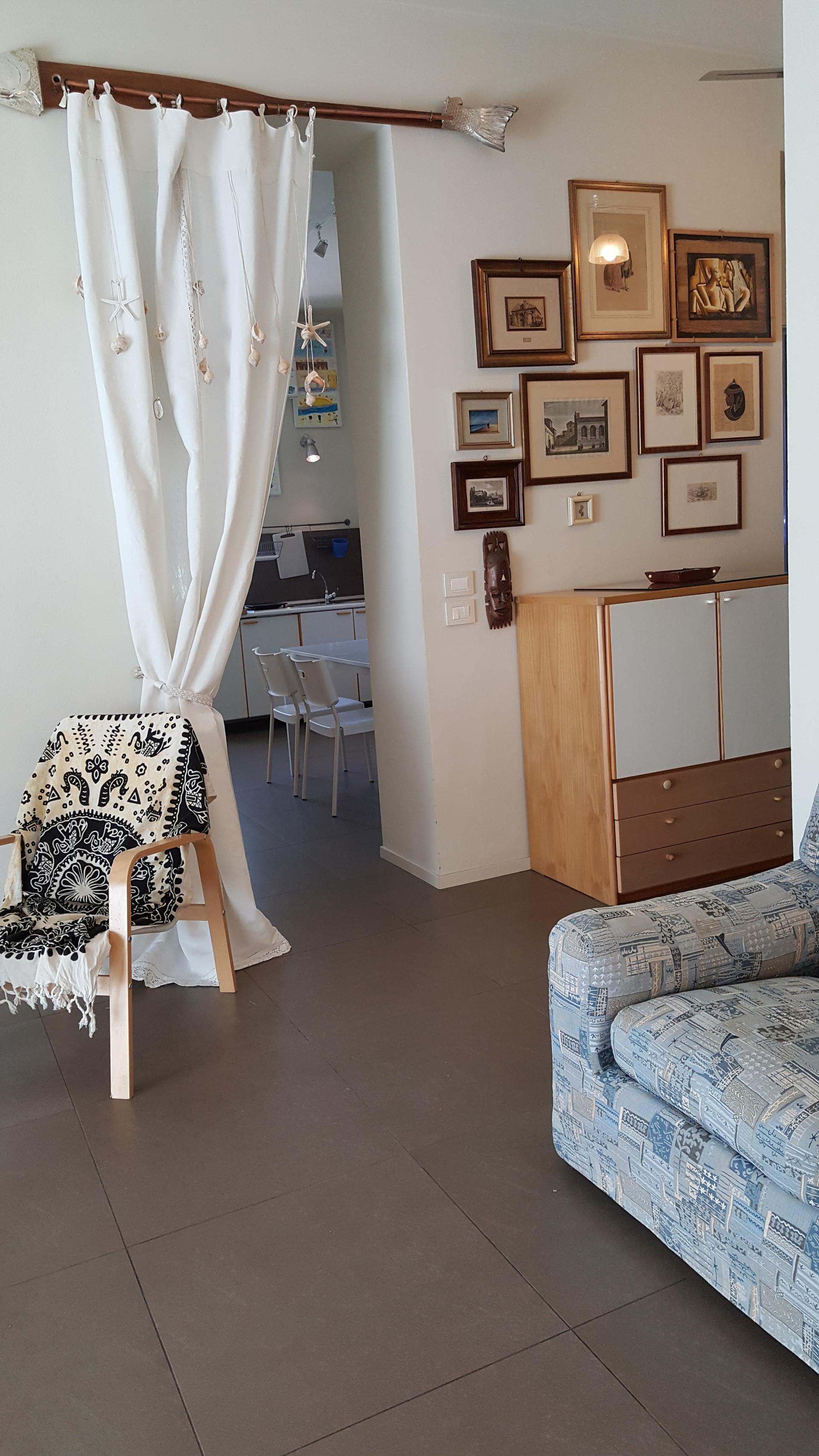 rimini-posto-letto-in-stanza-doppia-bagno-indipendente-9583f8d1c84b8c355011187d0775b723