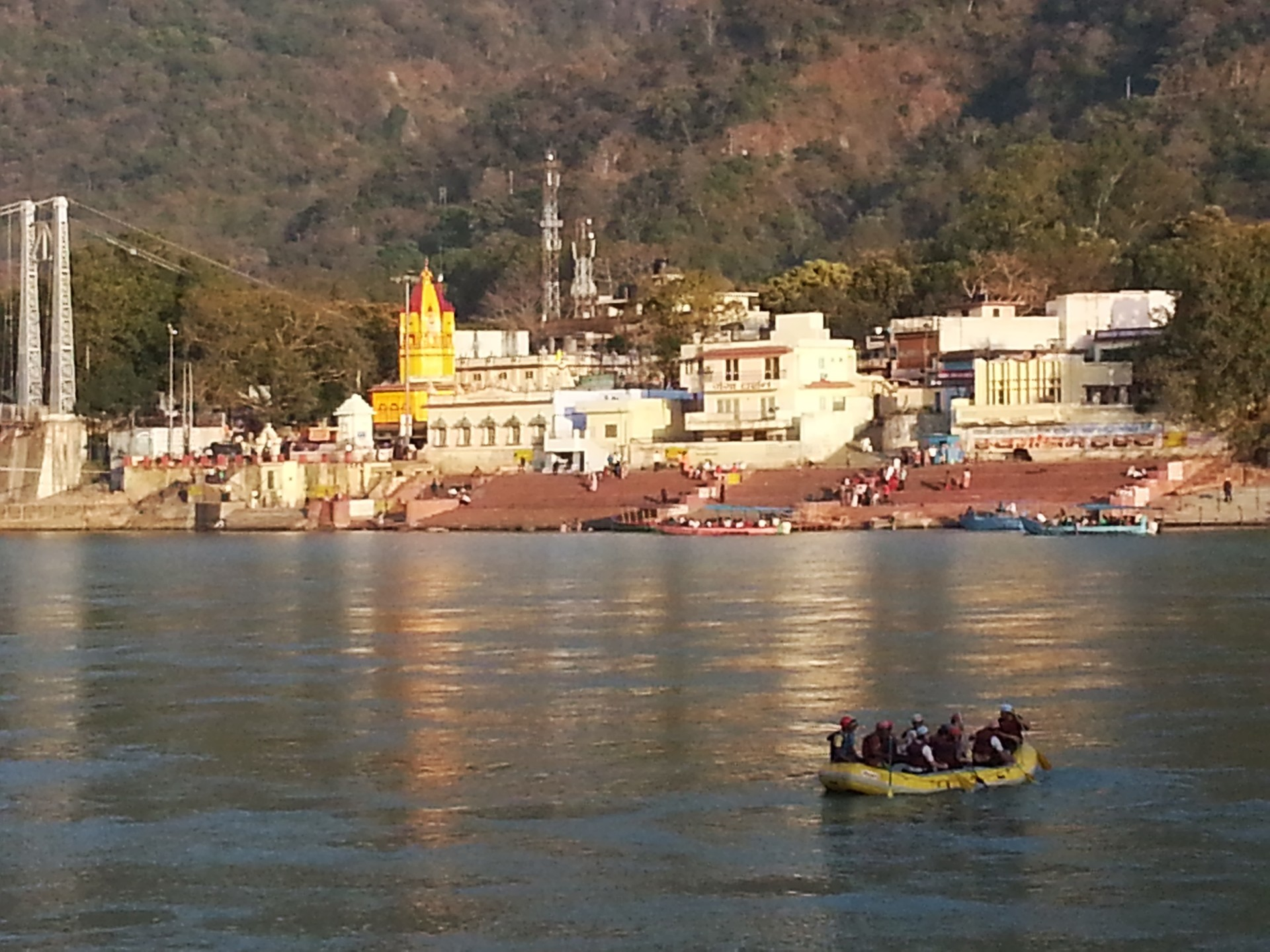 rishikesh-indian-town-great-spiritual-th