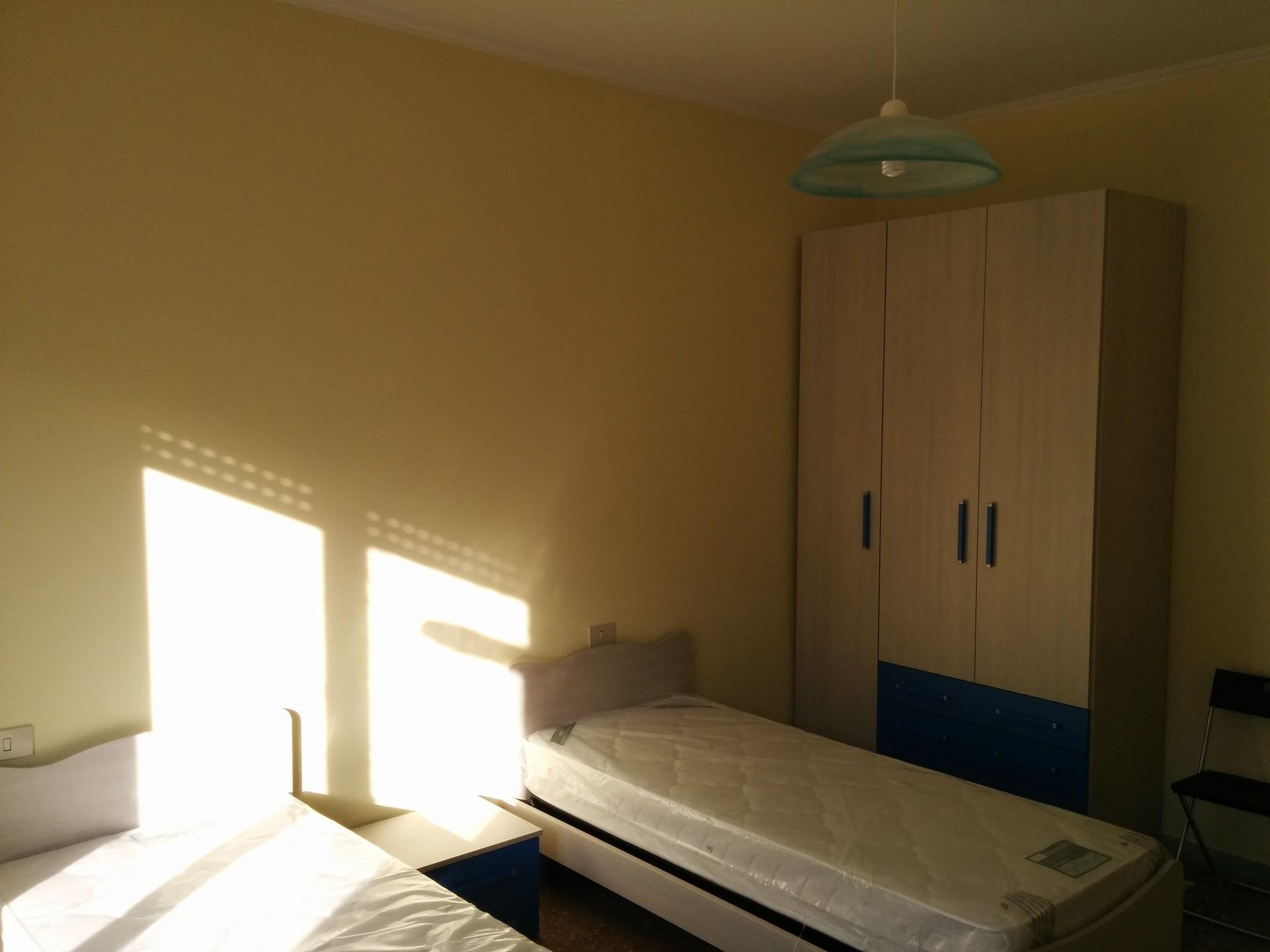Stanza doppia a 100 metri dalla metropolitana stanza in for Affitto stanza avvocato roma