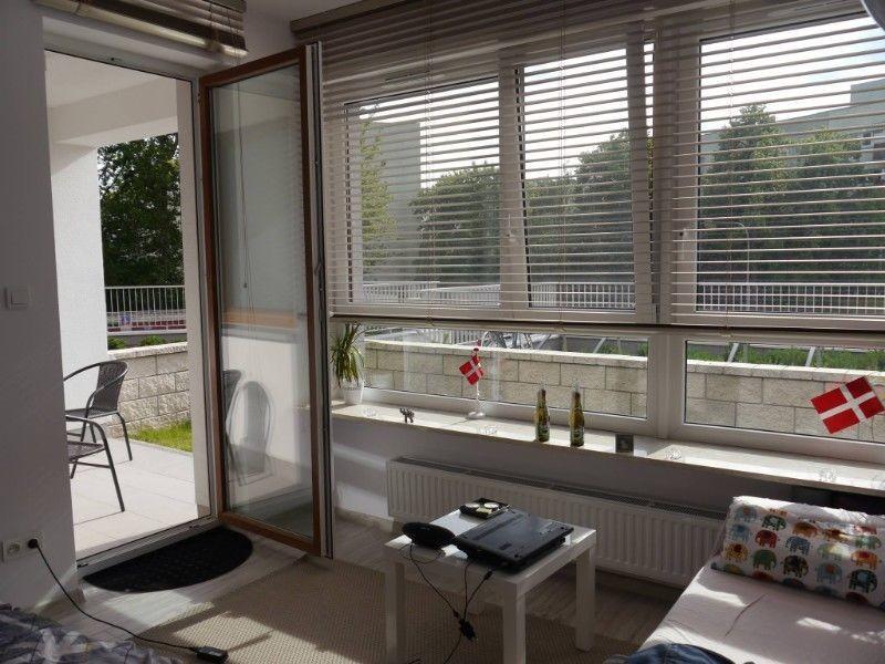 room-185m2-terracegarden-zeromskiego-1-street-warsaw-100m-metro-4b2df2bb32330293631bae0b757bab09