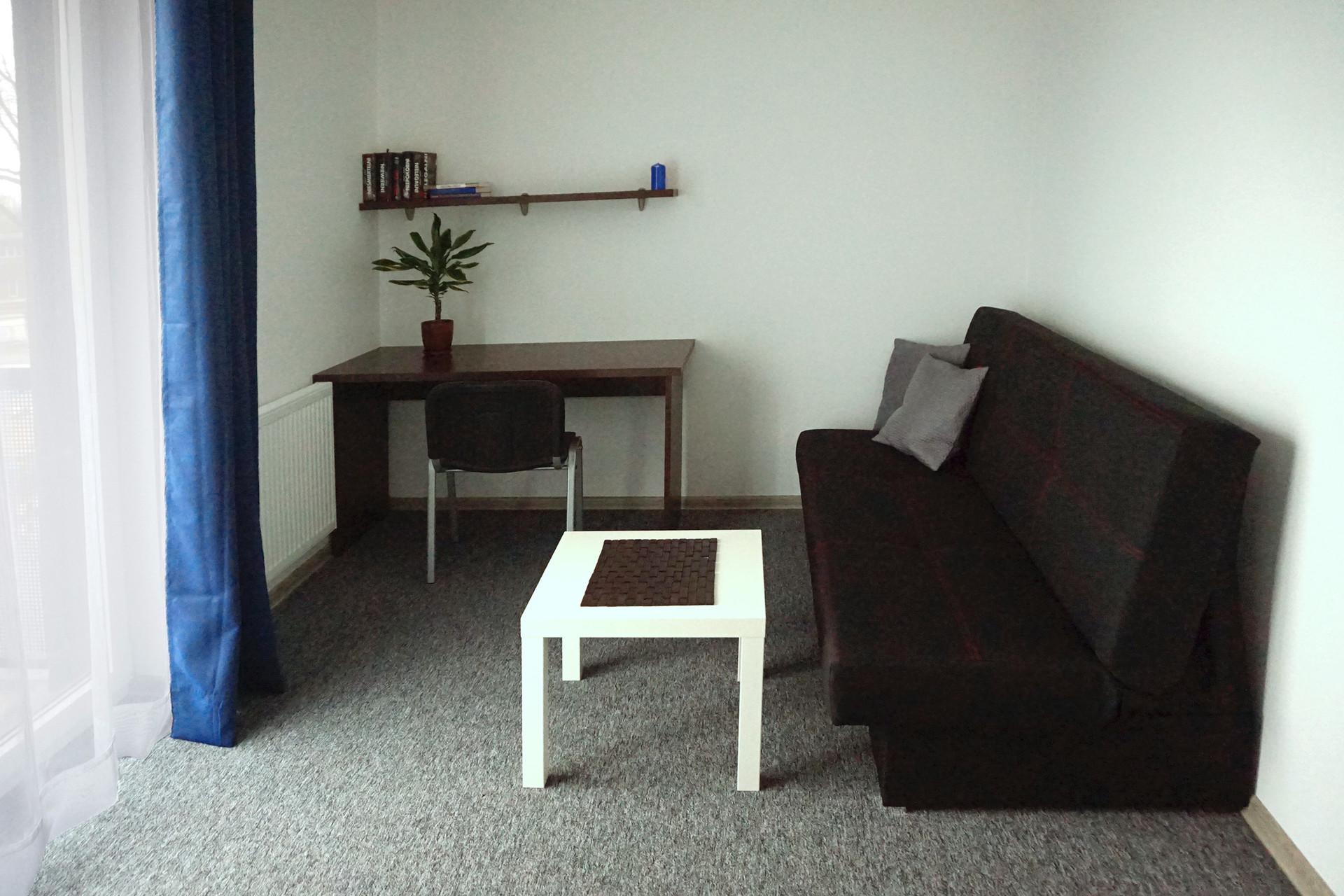 Room B - with balcony