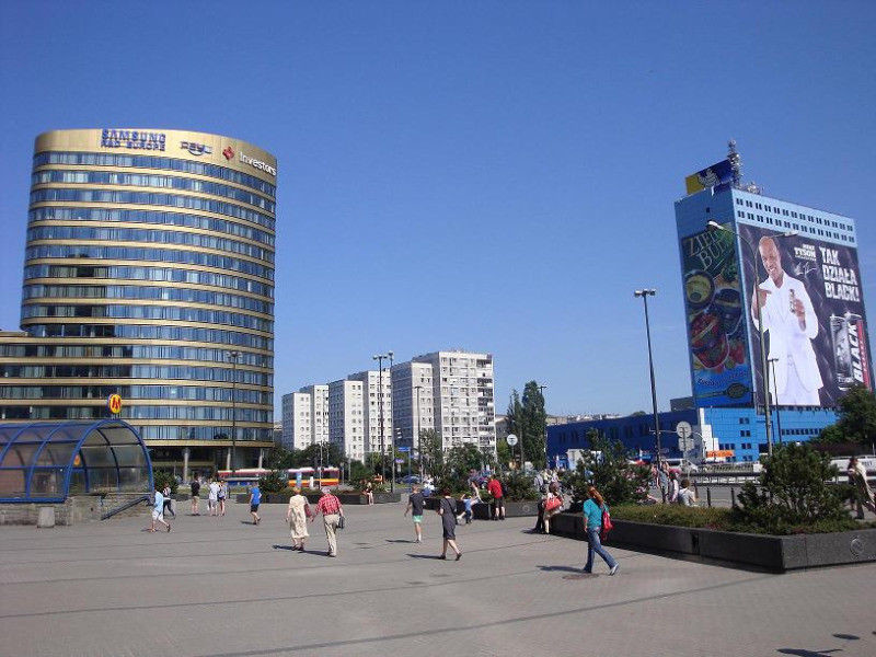 Room in a center of Warsaw, near to Metro Station