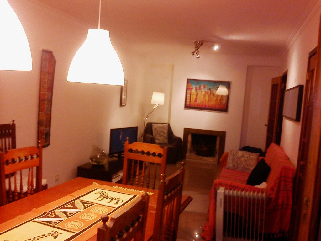 carcavelos singles Check out this place in lisbon - single bedroom 3 minutes walk to the beach and carcavelos campus nova sbe (ref 134984), 400€, lisbon.