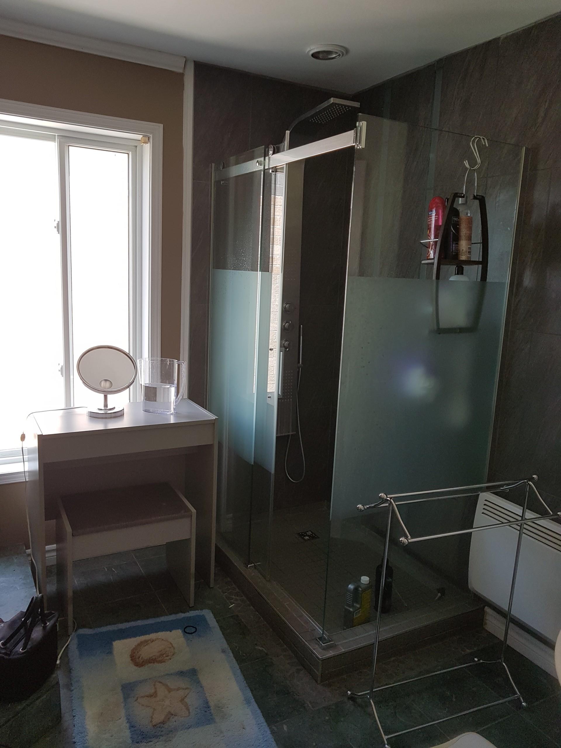 room-for-rent-8406ede921d1aae7af1f2f9656