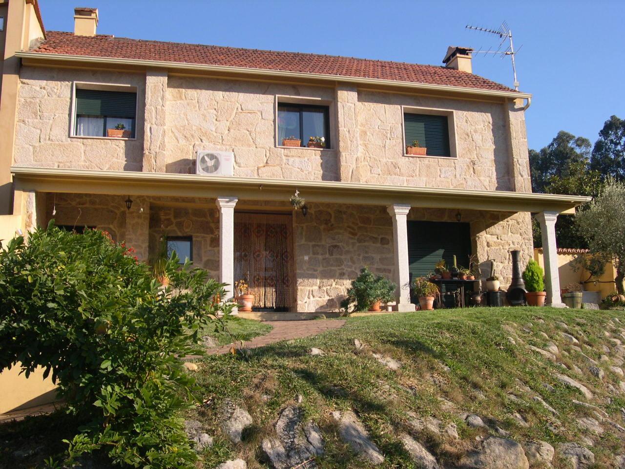 room-gondomar-beautiful-house-valmin-close-vigo-city-1fbe2c818ca1d0942725f4096d6e65d8