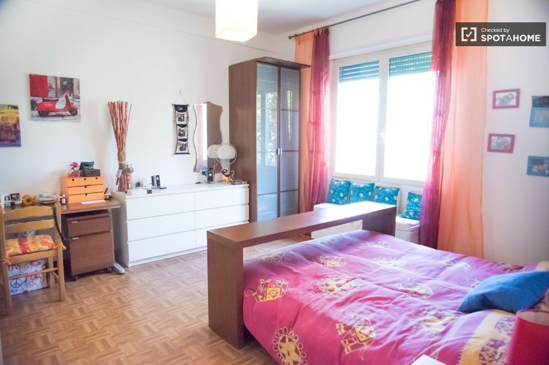 ROOM in large and sunny apartment in Pigneto Rome   Stanze in ...
