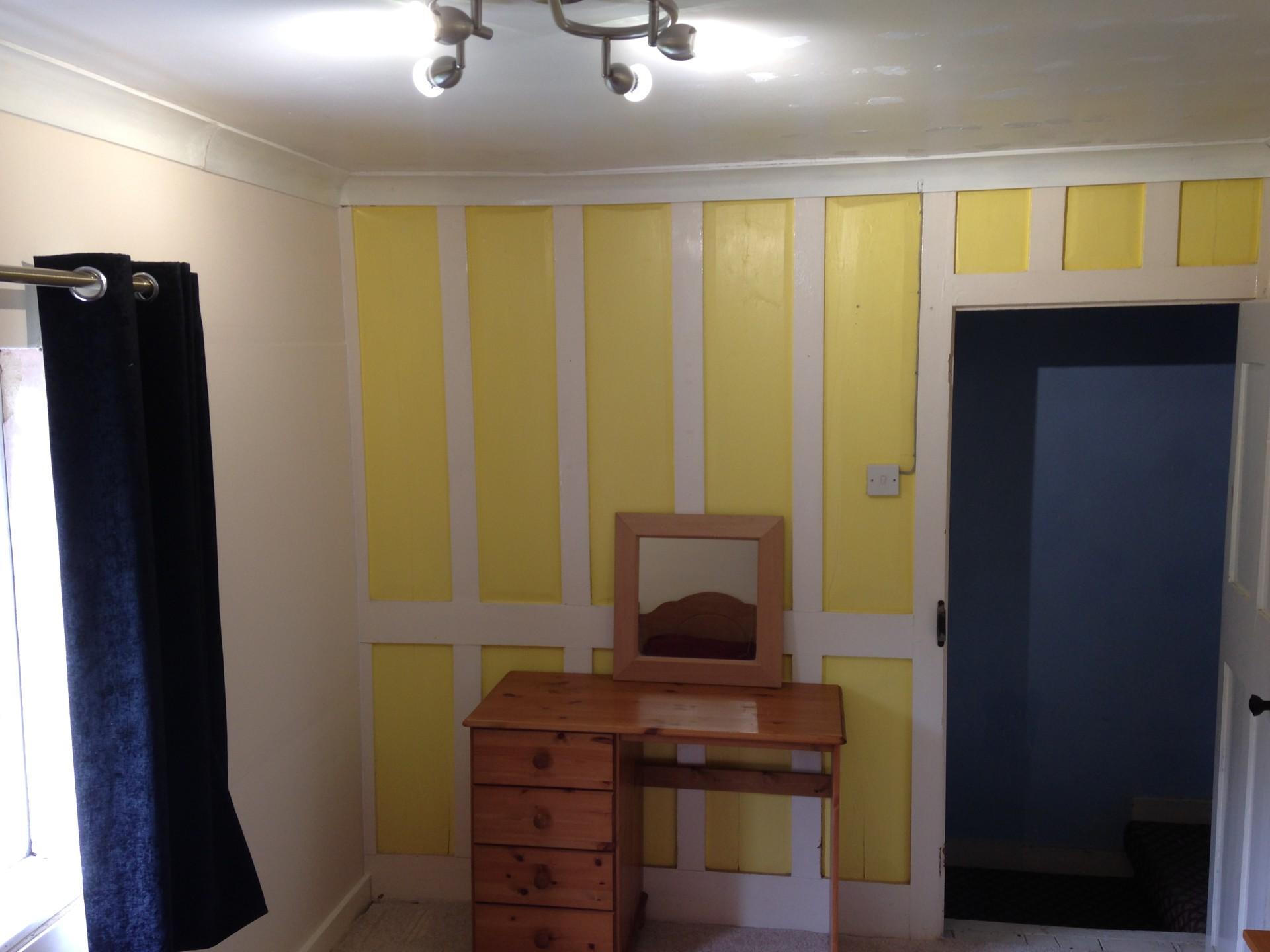room-let-bedroom-house-9ee43b0b69e6ac041