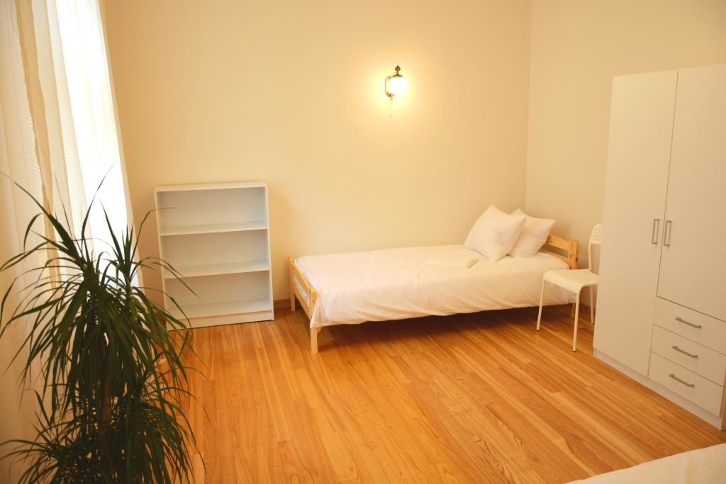 Room in luxury apartment for students in the centre of ...