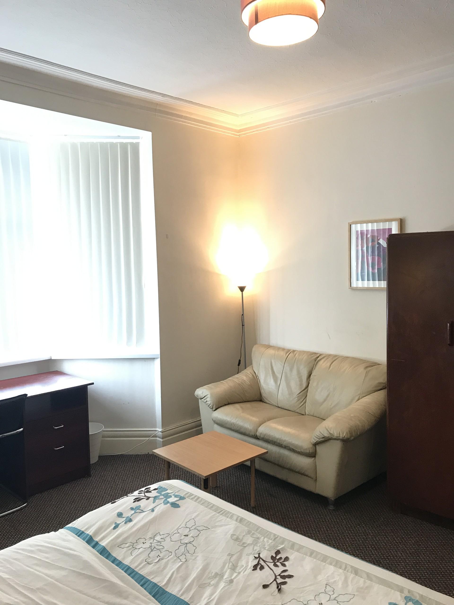 160 Wingrove Rd, Newcastle upon Tyne NE4 9BX, UK