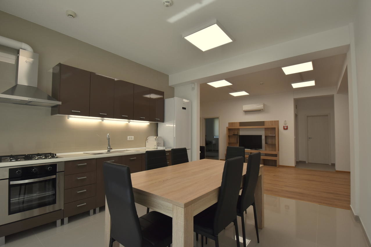 room-near-university-centrum-lux-50997d871d02bc665bbbf52e35acb51a