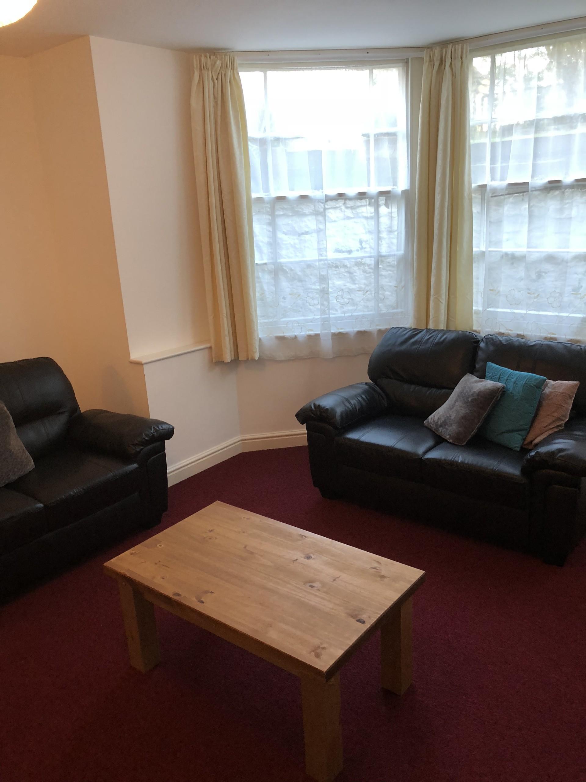room-now-let-room-let-clifton-close-university-bristol-411ed0114a1978e9de23b8e049d919a6