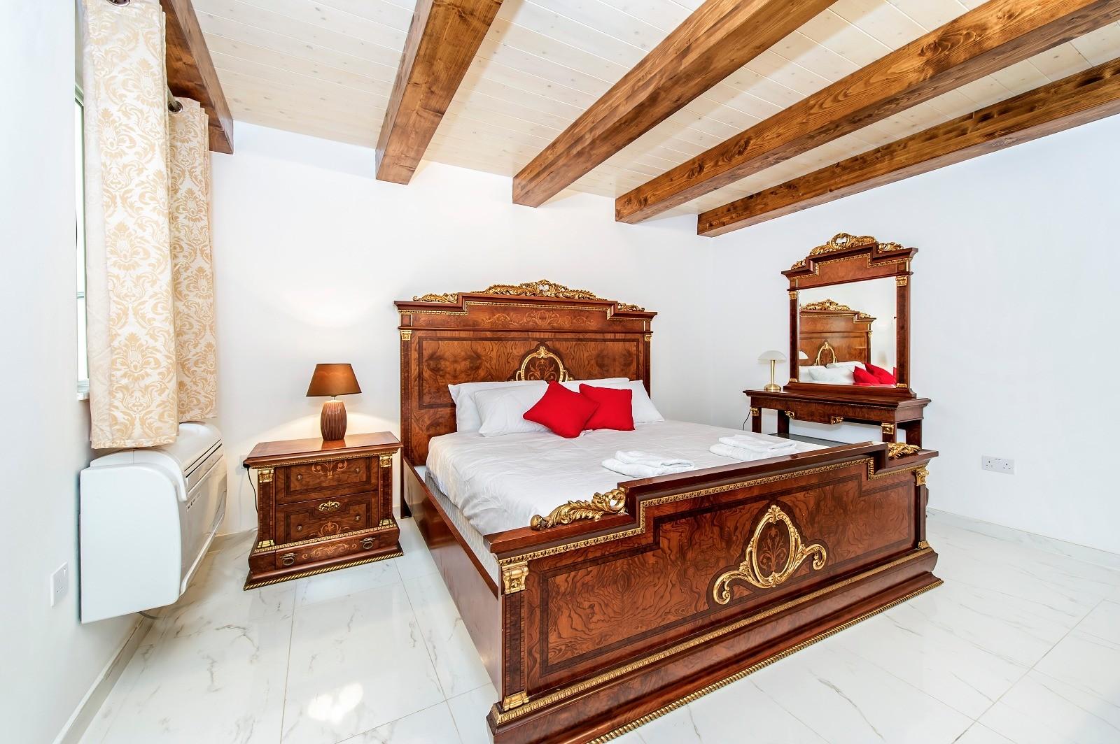 room in san pawl street sliema