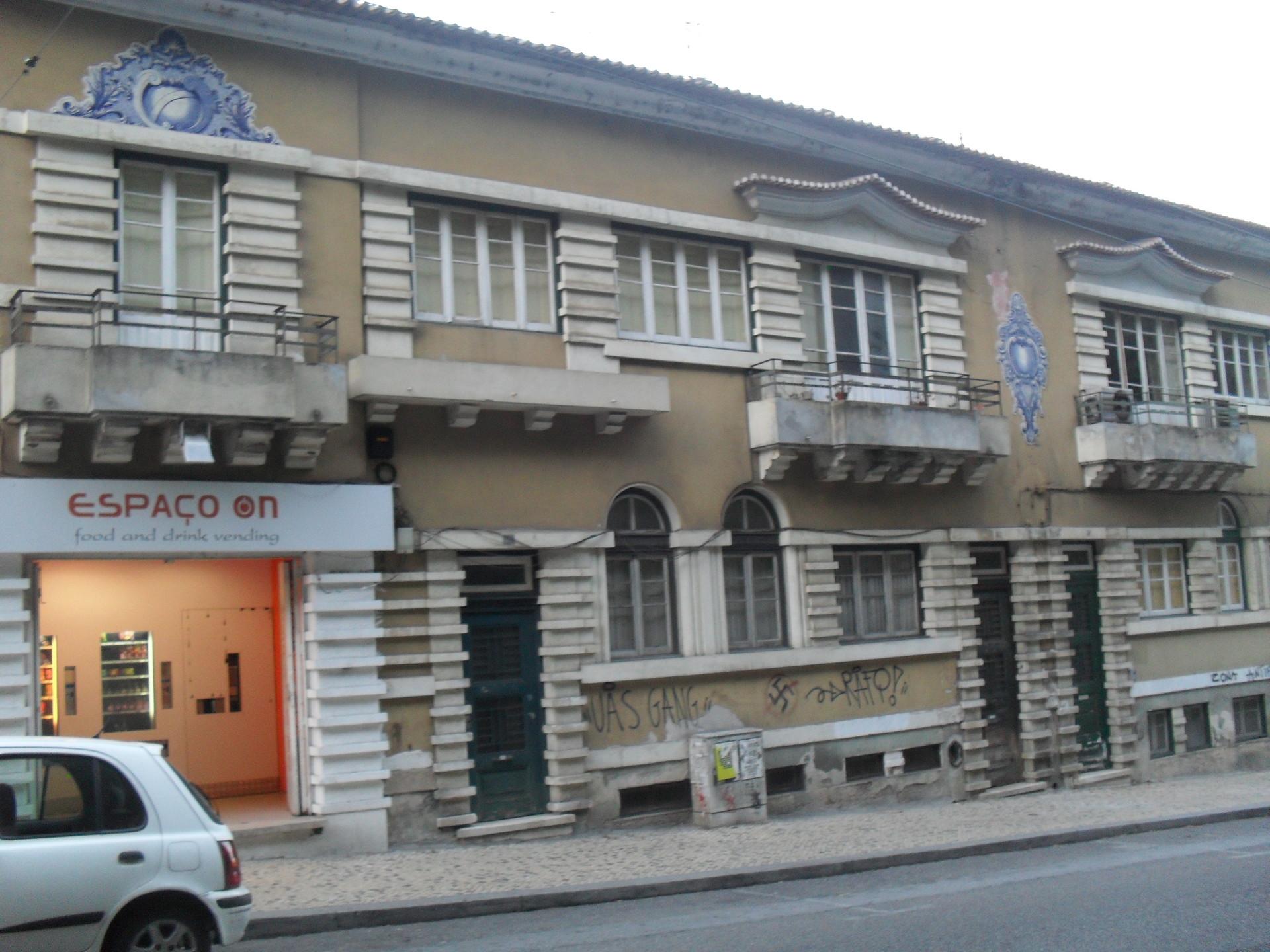 room-shared-apartment-close-aac-prac-da-republica-polo-1-52006151d5254796f47e4d440c9fd111