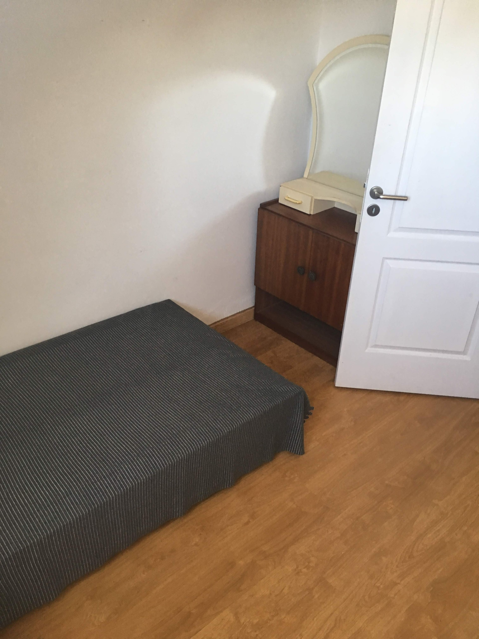 ROOMS FOR MALES IN QUELUZ, 13KM TO LISBON