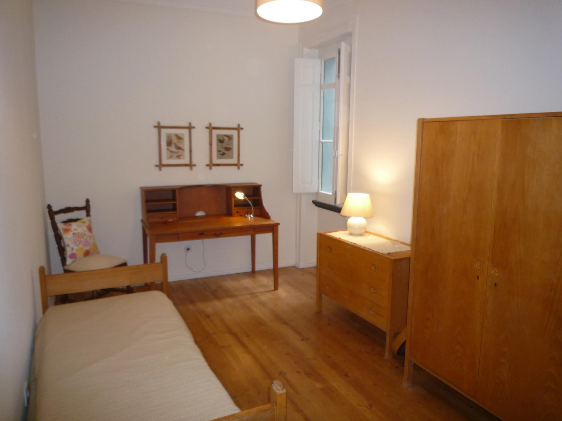 rooms-lisbon-near-metro-arroios-alameda-19ebea69cdecc19d53a79499648dab60