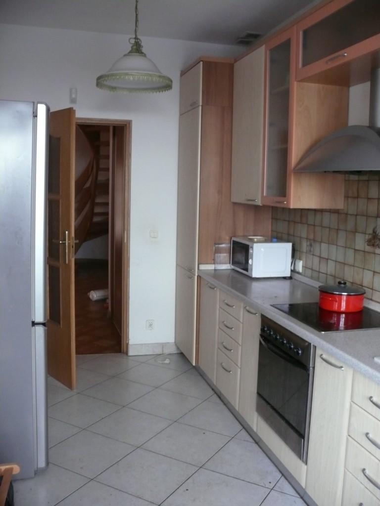 rooms-saska-kepa-04e9d7db07ad4db42bc9dc83a292ab91
