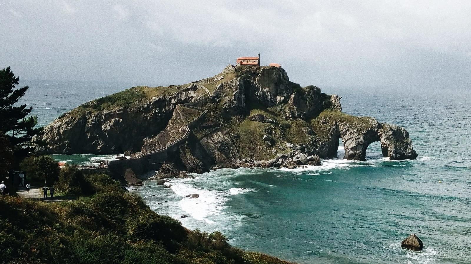 San Juan De Gaztelugatxe Rocadragón En Juego De Tronos Blog Erasmus Ehu