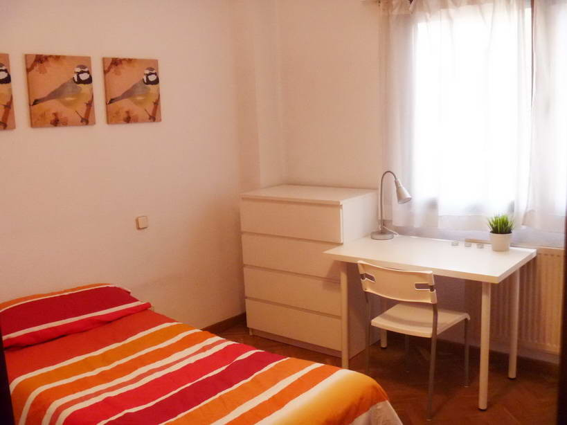 Santa Julia 1 - Fantastic rooms for students in the city centre