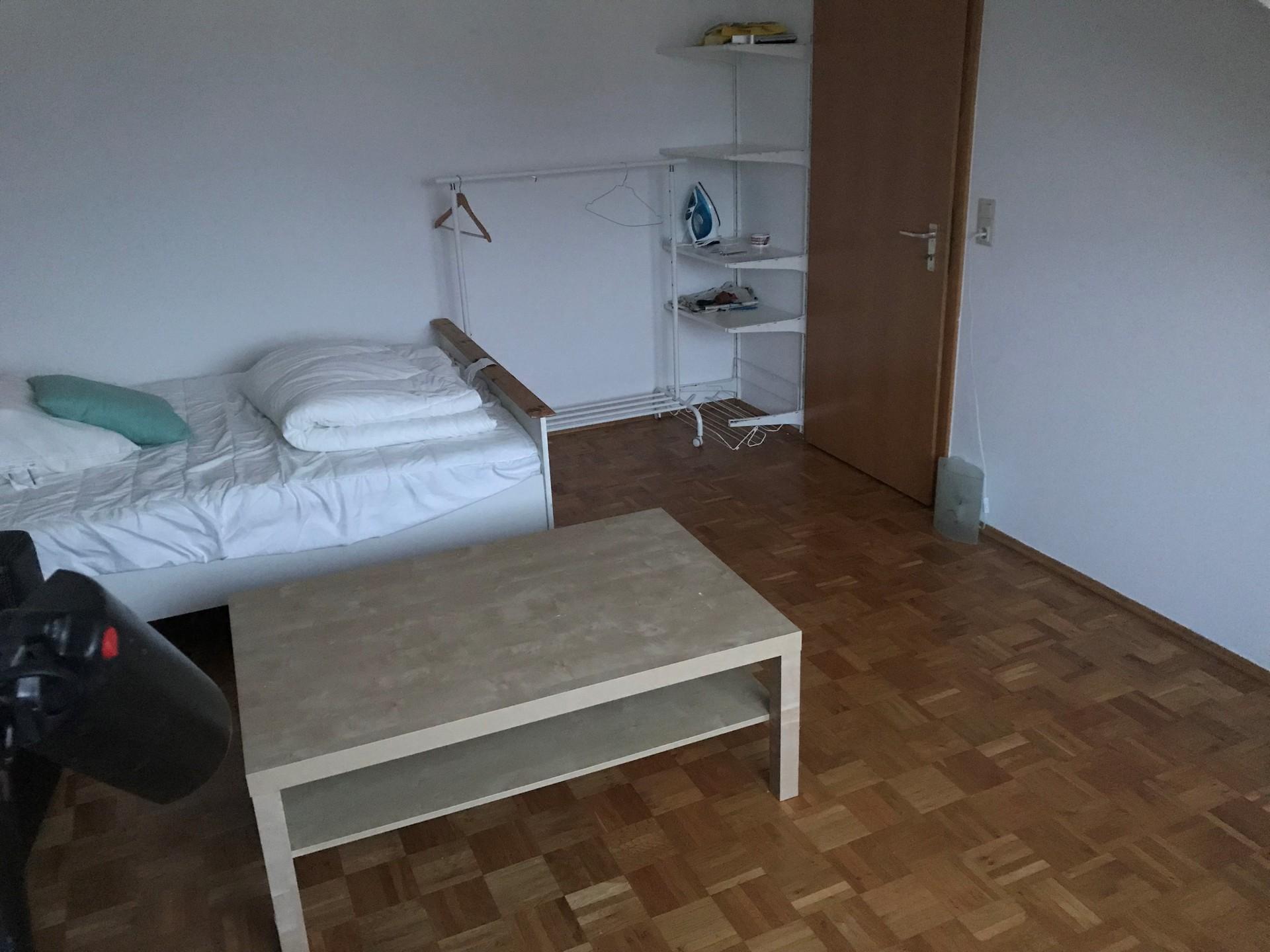 schönes helles Zimmer in der Nähe vom Zentrum