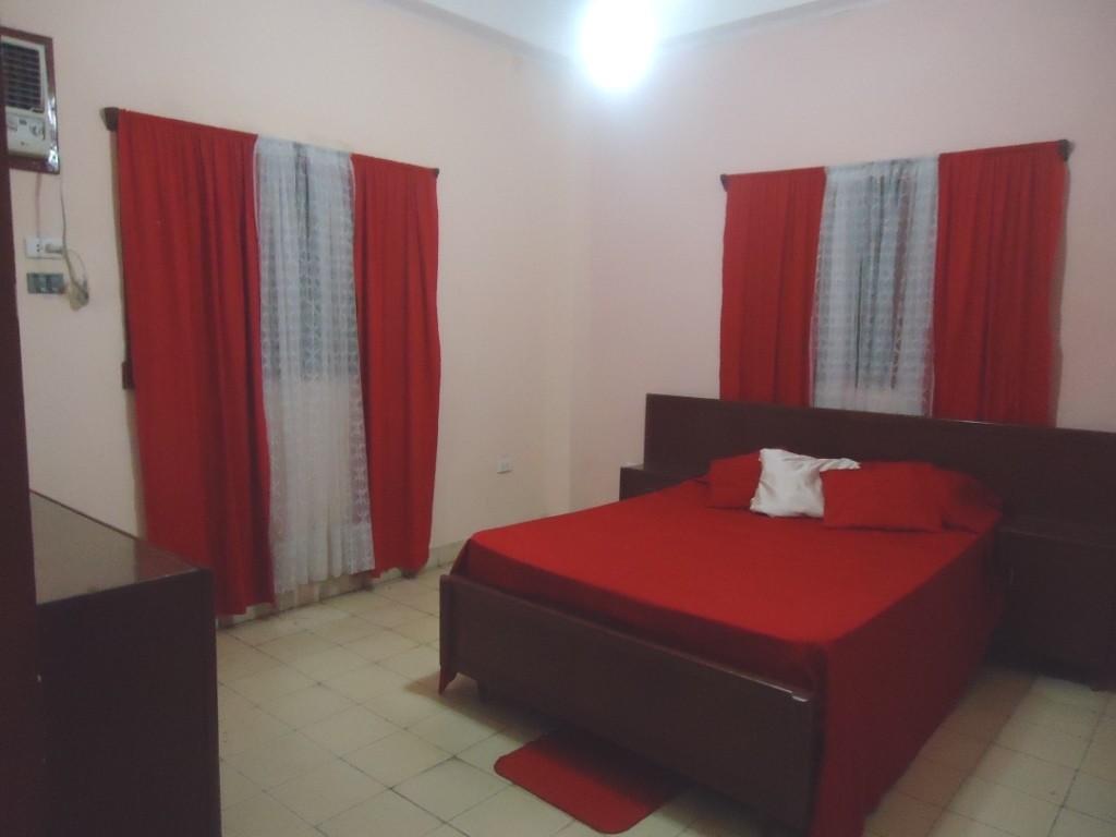 Se alquila apartamento amplio en 25 y paseo en el vedado alquiler pisos la habana - Pisos paseo de la habana ...