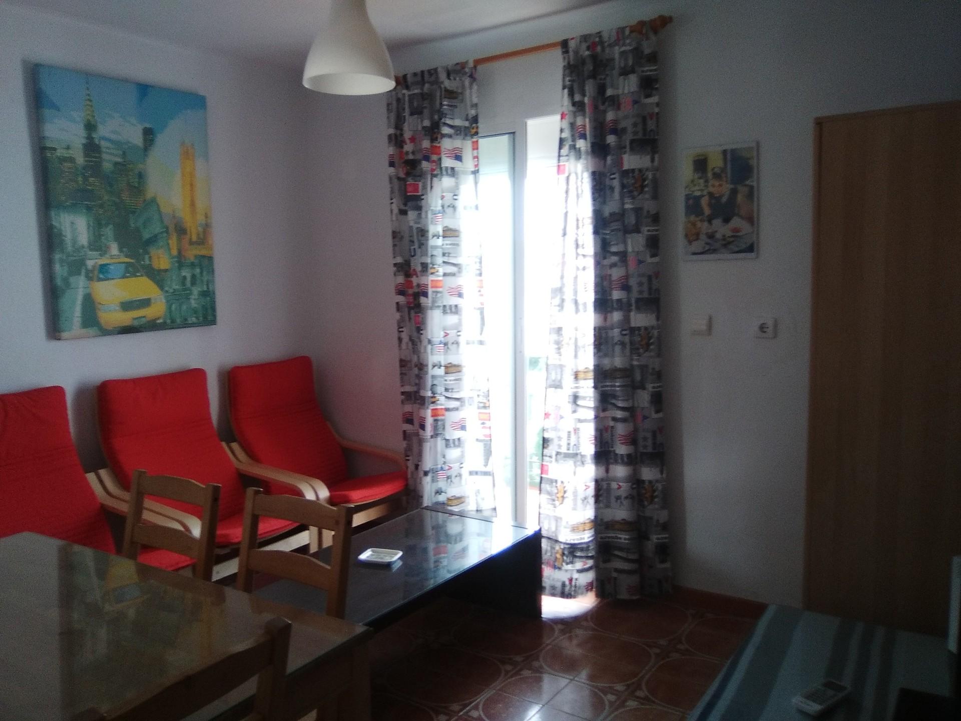 Calle Constantina,  41008 Sevilla