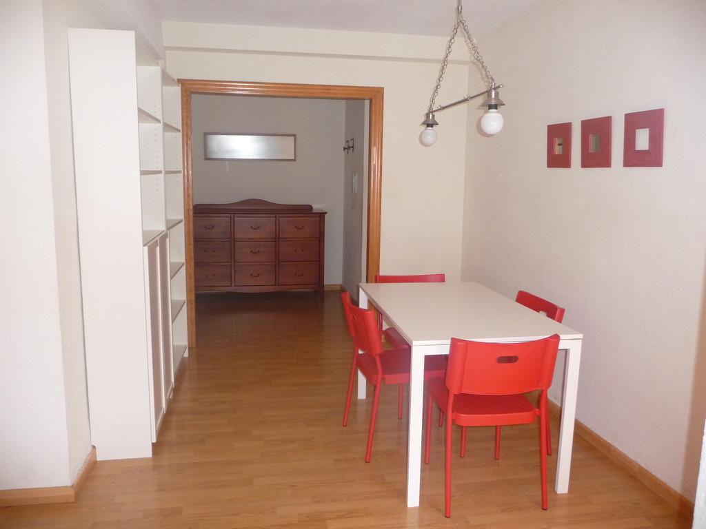 Se alquila piso amueblado en cartagena calle carlos iii for Se alquila piso