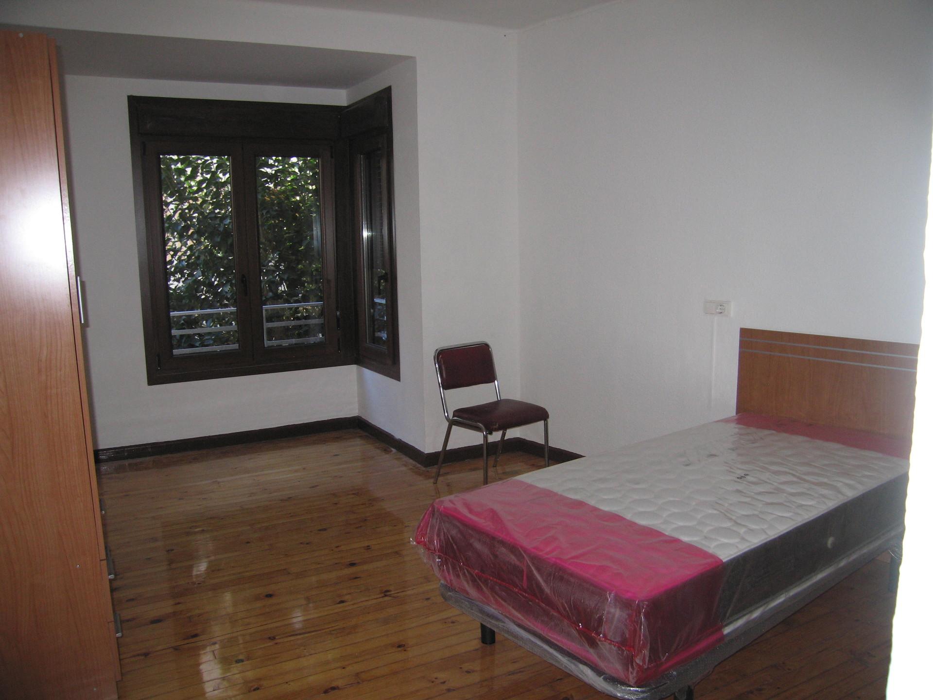 Se alquilan habitaciones para estudiantes o trabajadores for Habitaciones de estudiantes