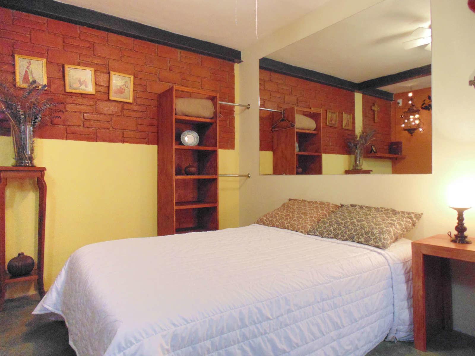 se renta cuarto para familia, pareja, solo, sola. con promoción 750 ...