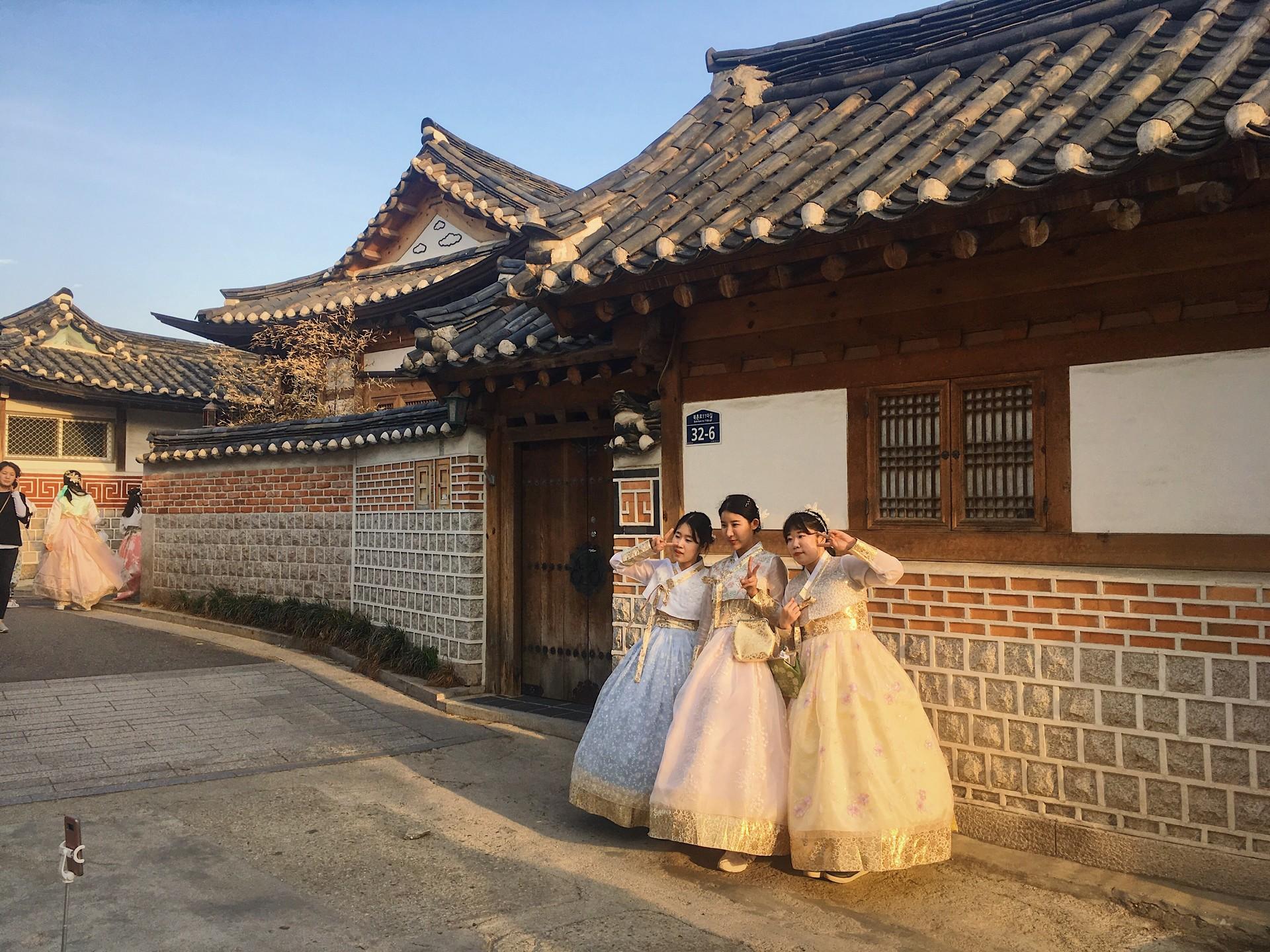 seoul-south-korea-dd7d83863fbba6f2ff5b74