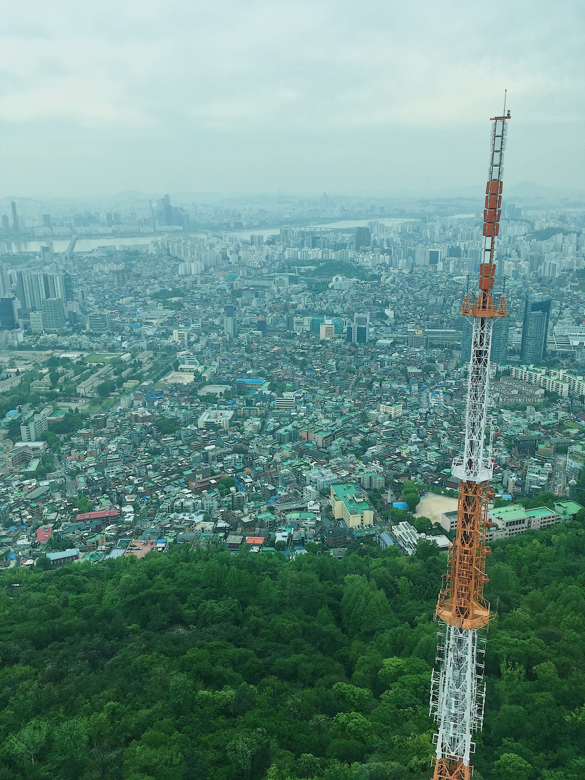 seoul-south-korea-fe03615b14aa7a530ce36a