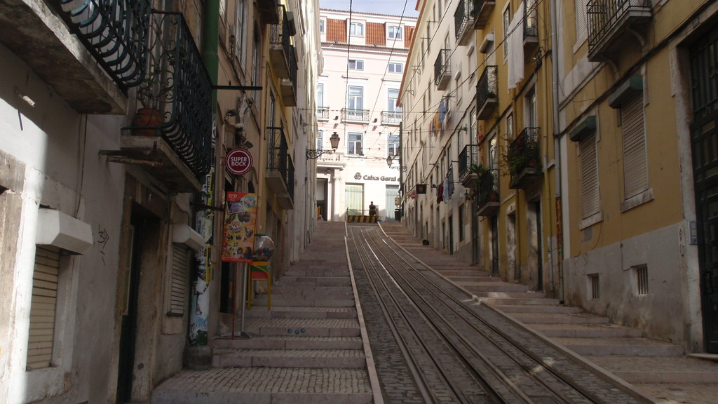 Share an apartment in Chiado, Lisbon   Room for rent Lisbon