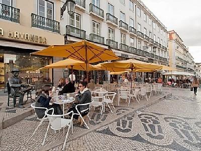 Share an apartment in Chiado, Lisbon | Room for rent Lisbon