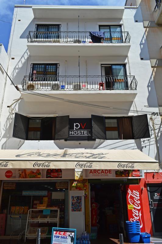 shared-bedroom-city-center-san-julian-67251ee4c80325b6fe4c2786253c6d9e