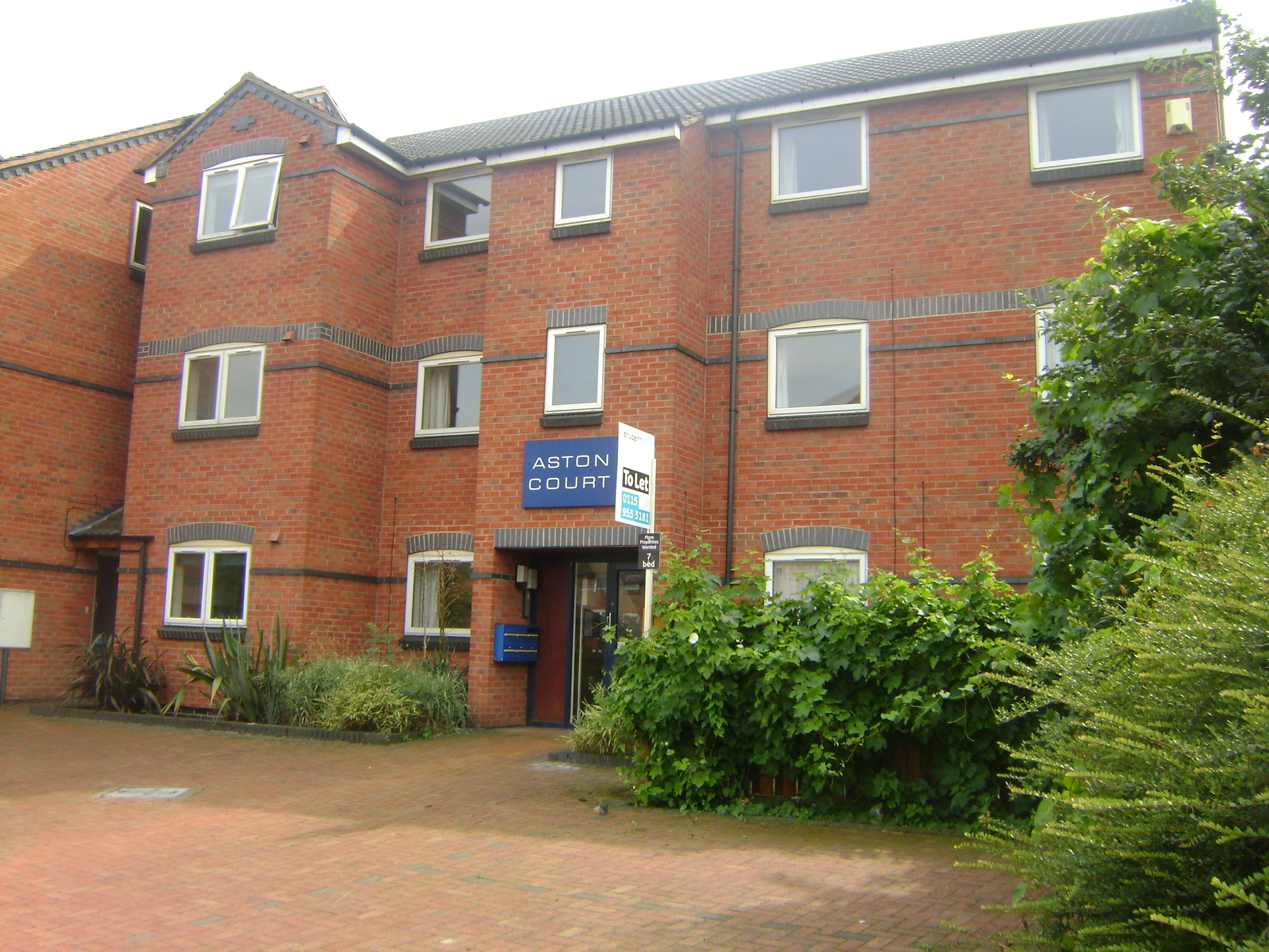 d Student Room Close to University of Nottingham Bills