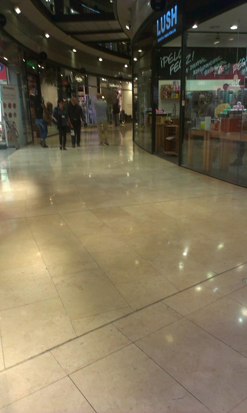 shopping-bull-fighting-ring-d67aa065df7d