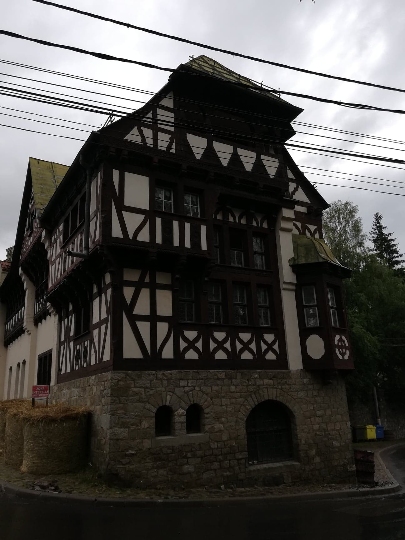 sinaia-mountain-city-royal-residence-1fe