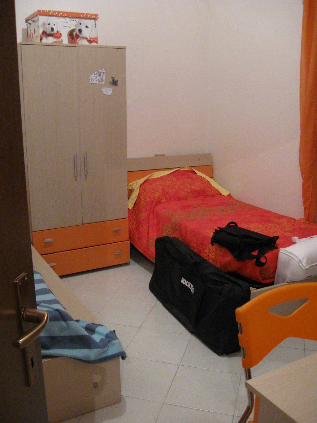 Apartment Optimal single bed in room apartment optimal position in