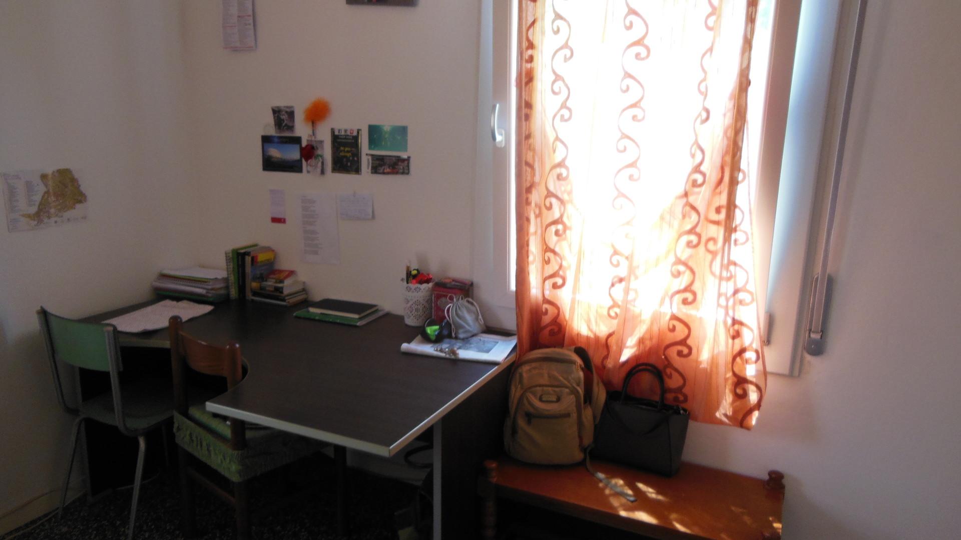 single-double-room-near-centre-modena-9be28bdb10381fc791fccd5d9b5005c9