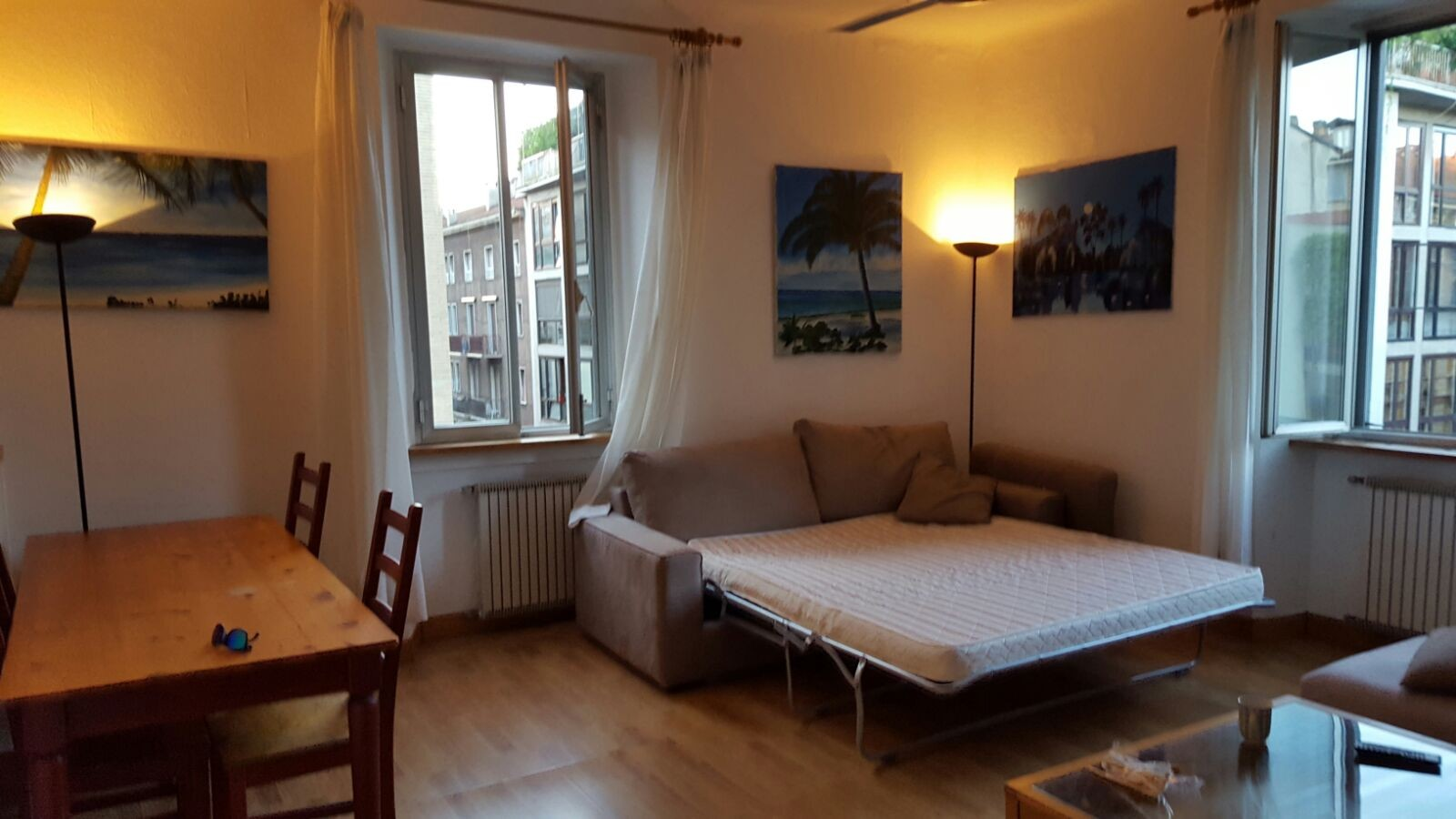 Single room in city center only for girls students room for Small room rental